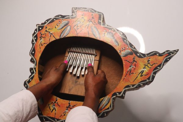 kalimba-instrument-mains